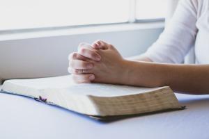 prayer-1308663_1920 (1)