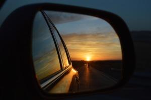 rear-view-mirror-835085_1920