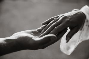 hands-2705251_1920